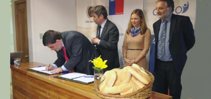 Salud suscribió acuerdo de producción limpia con Federación de Panaderos