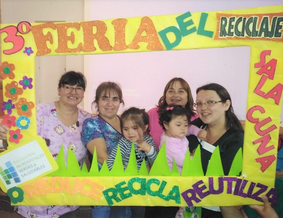 Niños de la Sala Cuna del Hospital de Coronel participaron en Tercera Feria del Reciclaje