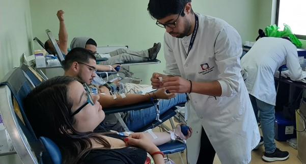 Funcionarios del Hospital San José de Coronel participaron de la primera colecta de sangre de este año en el recinto