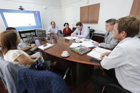 Dr. Carlos Grant reportó preparación local por coronavirus y serie de proyectos al Minsal
