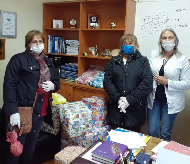 Damas de Blanco celebran un nuevo aniversario con entrega de regalos en el Hospital San José de Coronel