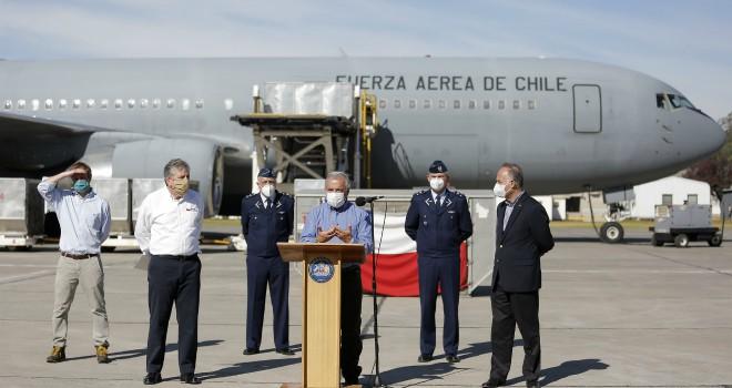 15 toneladas de Elementos de Protección Personal y ventiladores llegan a Chile