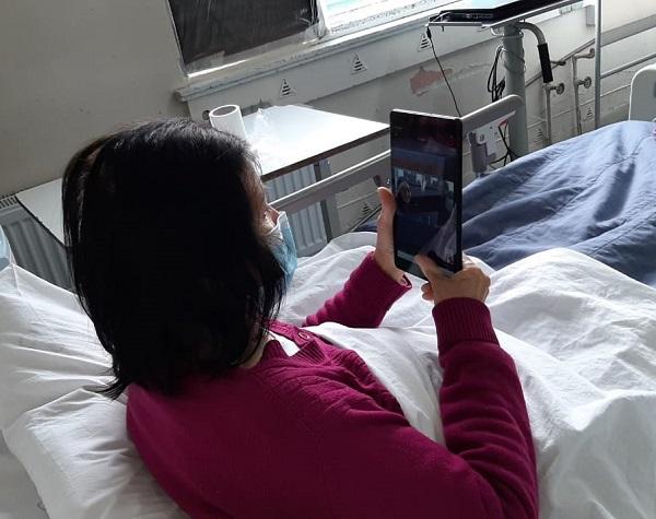 Hospital San José de Coronel inicia visitas virtuales con pacientes hospitalizados